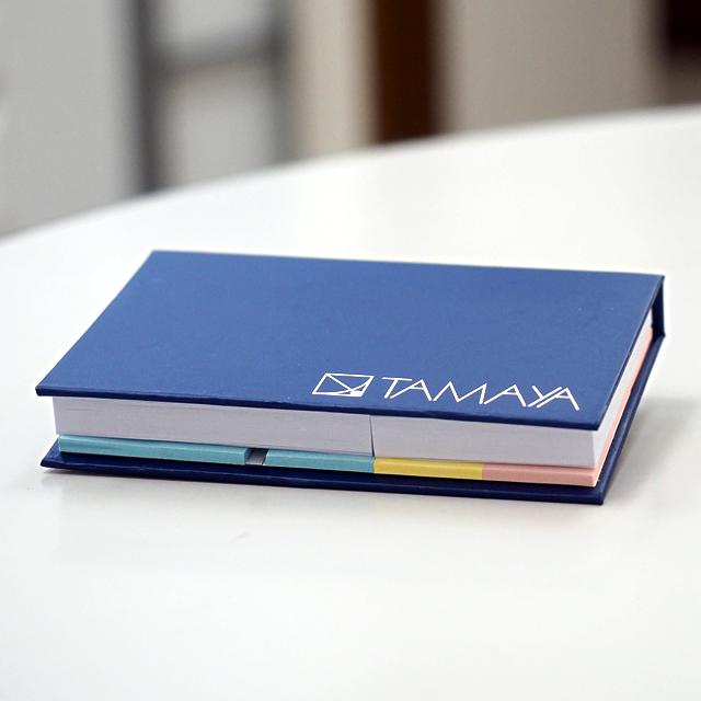 オリジナルデザインのメモ帳を名入れ制作