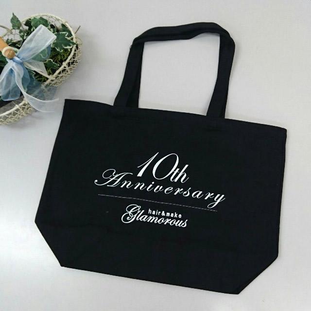 小山市の人気美容室、開店10周年の記念バッグを名入れ制作